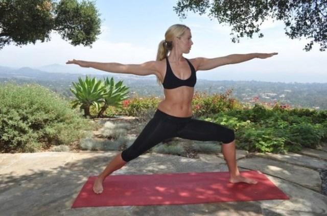 5 самых простых, но эффективных упражнений йоги