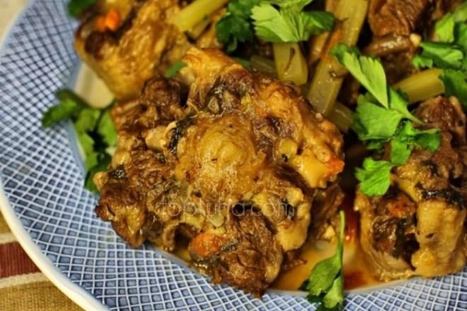 Говяжьи хвосты от римских пролетариев: итальянское блюдо
