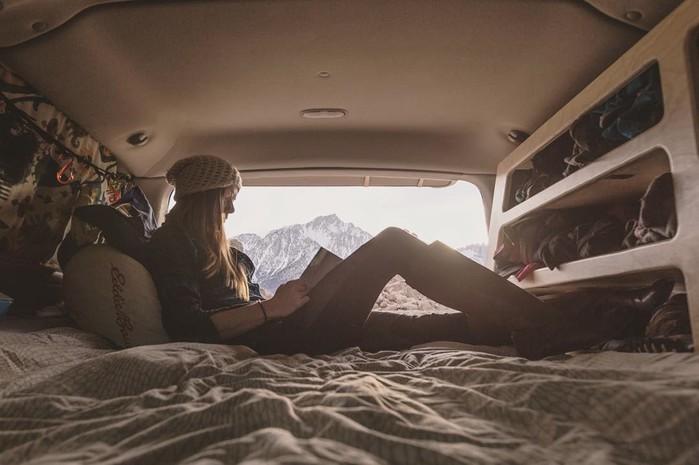 Американка год прожила в машине, чтобы путешествовать и снимать пейзажи