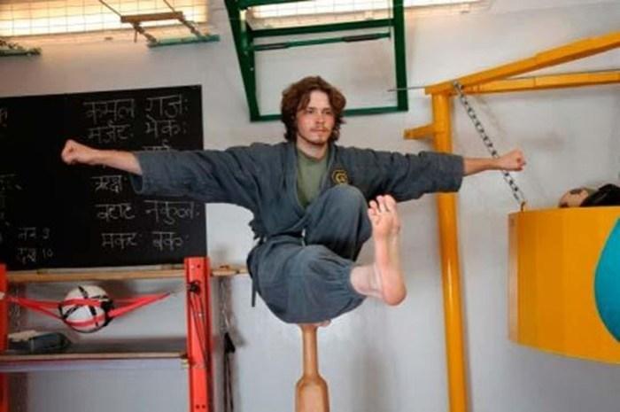 Что такое боевая йога: практика, гимнастика и единоборство