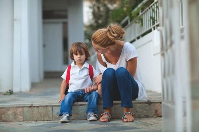 Утешать ли ребенка, когда он больно ударится или поранится?