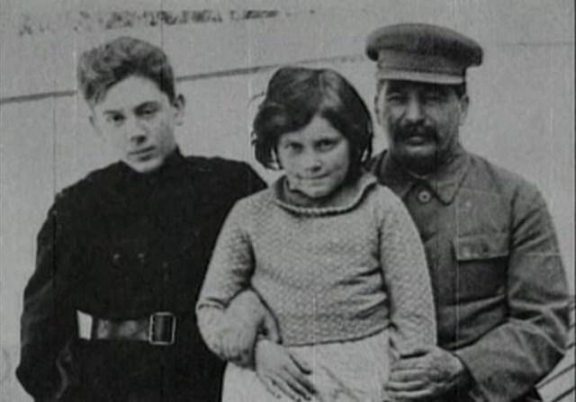 Что на самом деле случилось с Яковом Джугашвили