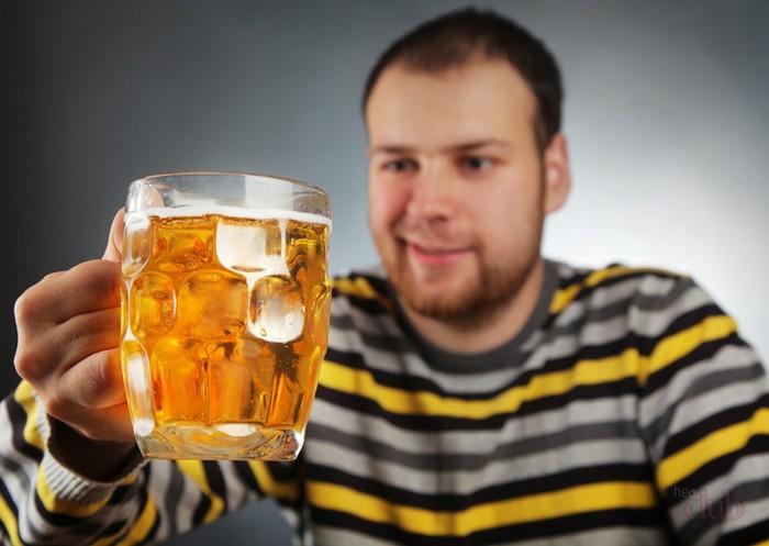 Почему нельзя мешать пиво с водкой? Что лучше пить – пиво или водку