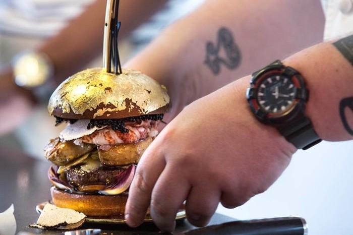 Роскошный гамбургер стоимостью 2000 евро
