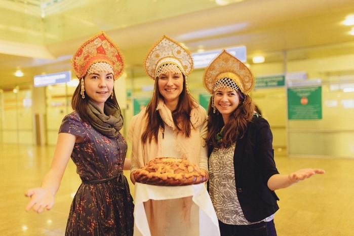 Как на Руси звали в гости и как провожали гостей