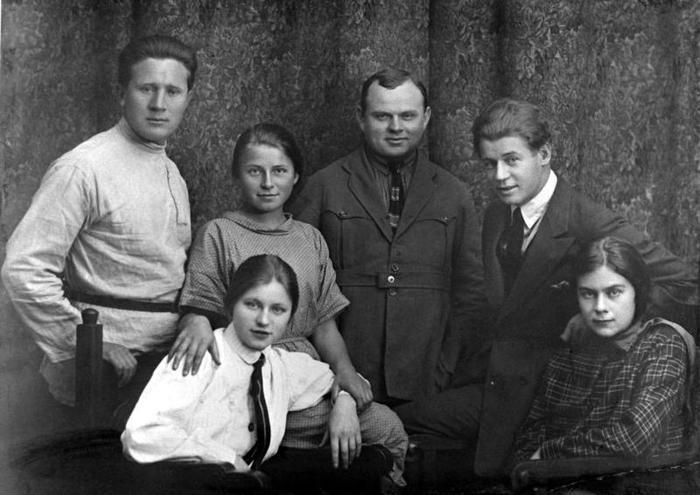 7 скандальных выходок Сергея Есенина