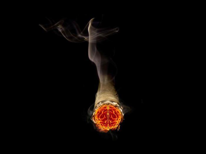 Сигаретный дым вреднее радиации после ядерного взрыва!