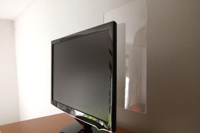 Как сделать панель невидимку на монитор для липких записных листочков