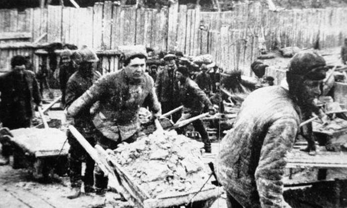 За что Солженицын сидел в ГУЛАГе и в каких условиях он там жил