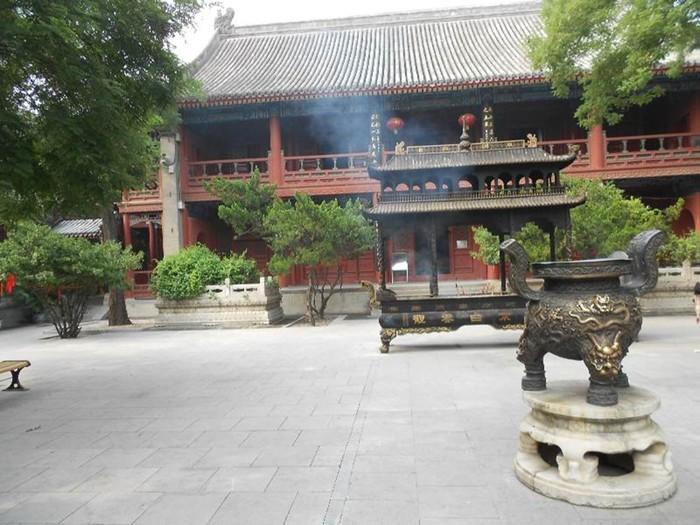 Храм Белых Облаков в необыкновенном Китае