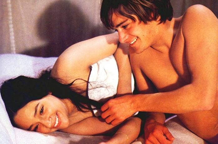 Мила Йовович и другие актрисы, сыгравшие в сексуальных сценах до совершеннолетия