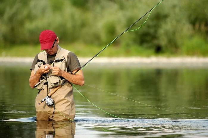 Какую одежду надеть, собираясь на рыбалку
