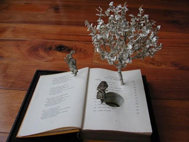 Сью Блэквелл и ее бумажные скульптуры из старых книг