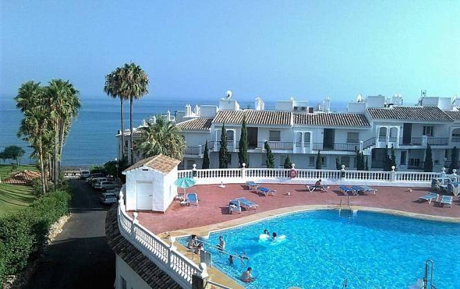 Beachfront Apartment 50 Meters From The Beach Málaga Swimming Pool