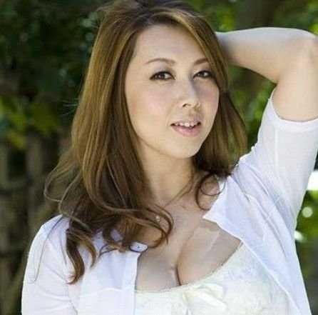 日本色情網 日本AV女優演千部色情片反抗父母 - 唯美女性網