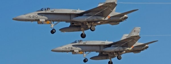 El ejército juzga habitual el vuelo rasante de aviones F18 por el Ripollès