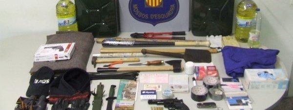Un policía fuera de servicio reduce a un hombre cuando iba a matar a su mujer en Barcelona