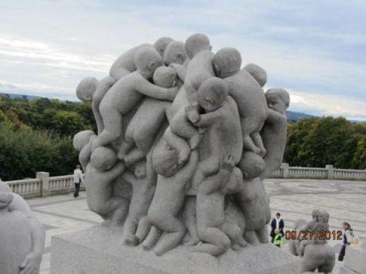 「ヴィーゲラン公園 彫刻」の画像検索結果