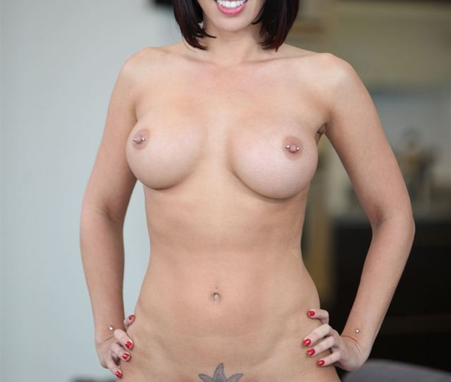 Rachel Starr Busty Babe Gives A Lucky Guy A Handjob Picture 10
