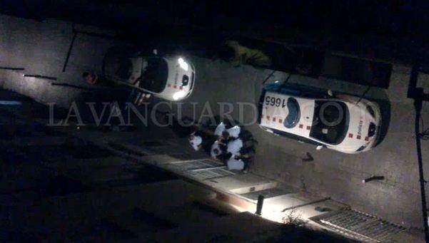 Un nuevo vídeo muestra la detención en el Raval desde otro ángulo