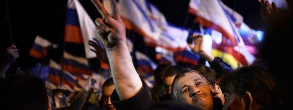 El Parlamento de Crimea aprueba su primera Constitución dentro de Rusia