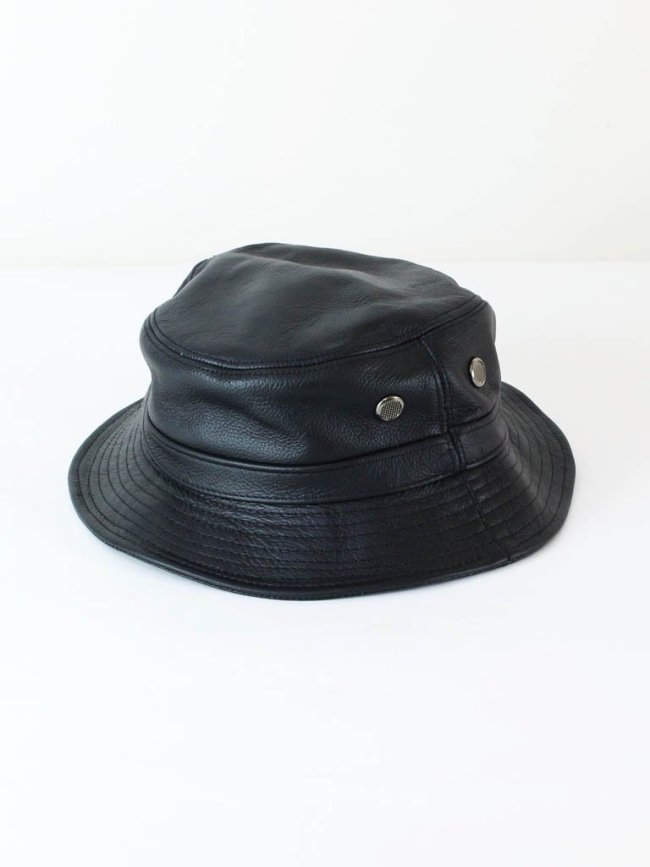Nasngwam. LEATHER BUCKET HAT #BLACK [RH0233403]
