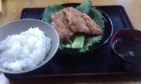 お魚屋(北谷浜川漁港の食堂)