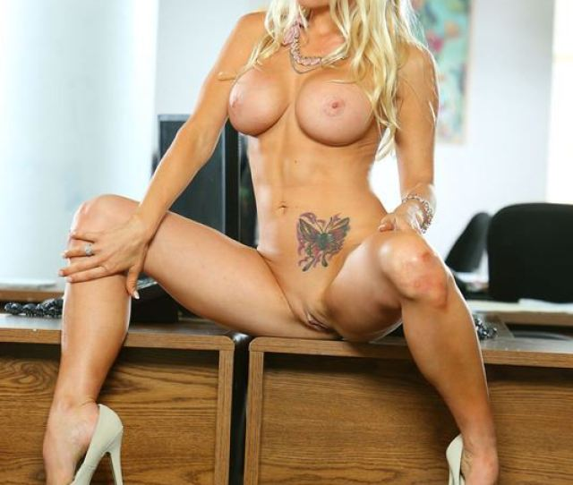Jesse Jane Gets Fucked On Her Desk At The Office Picture 06