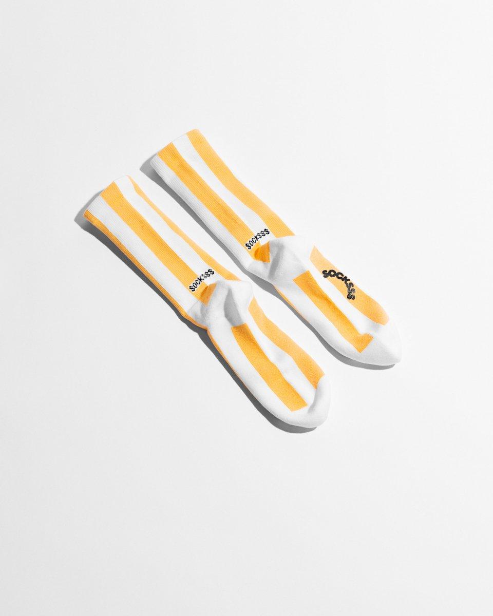ソックス 縦しましま 白黄色の写真
