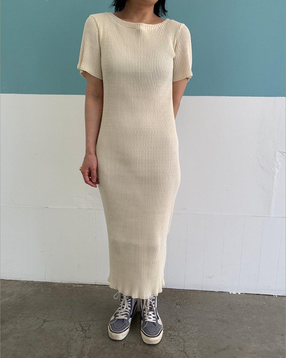 babaco コットンリブロングTシャツドレス アイボリーの写真
