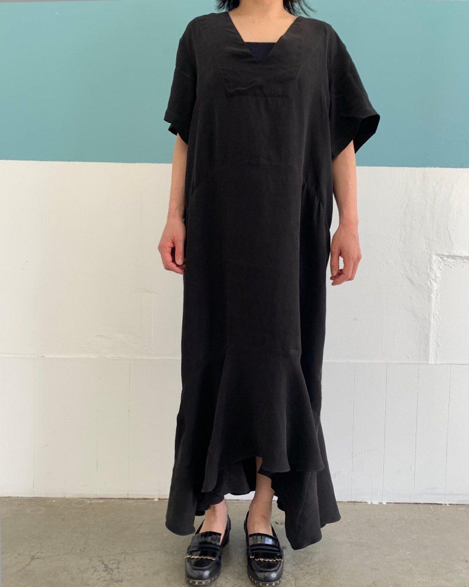 ブラックドレスの写真
