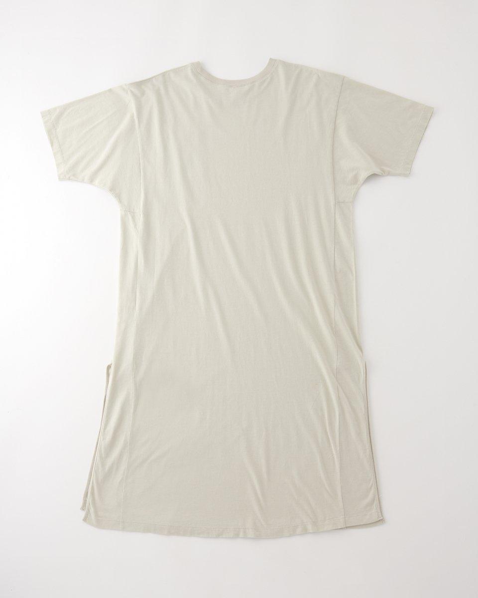 WRYHT オーバーサイズ Tシャツドレス サンドベージュの写真