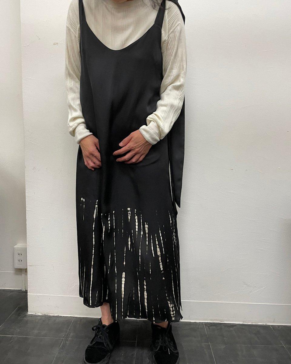 ディップダイスリップドレス ブラック+アイボリーストライプの写真