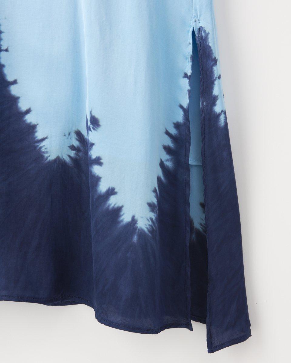 ディップダイスリップドレス ライトブルー+ネイビーの写真