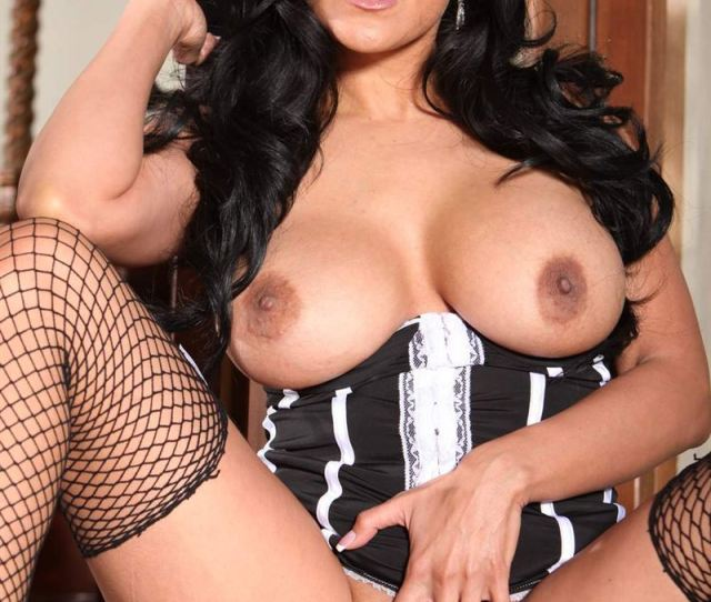 Kiara Mia Gets Nailed In Black Corset And Fishnet Stockings Picture