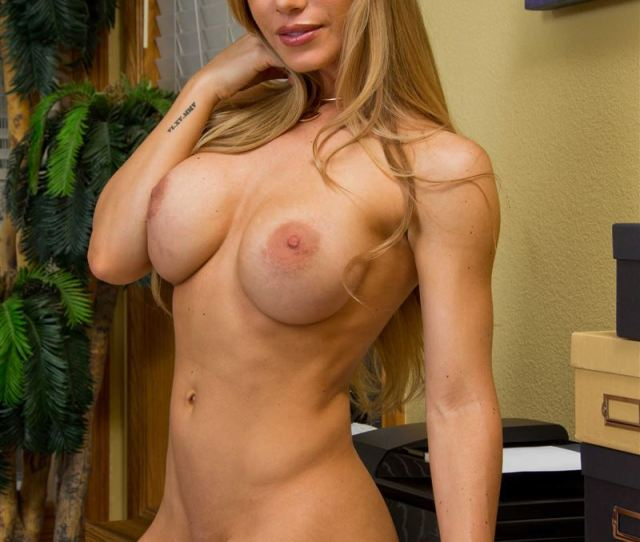 Nicole Aniston Gets Nailed On A Desk In Nude Stockings Picture 08