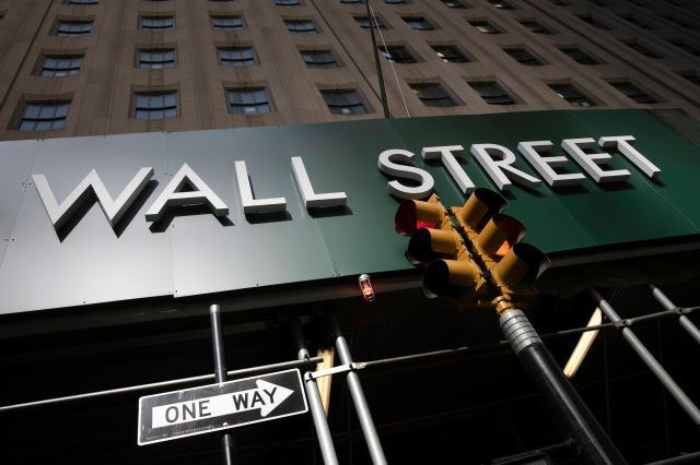 Tech Stocks Lead Wall Street to Gains