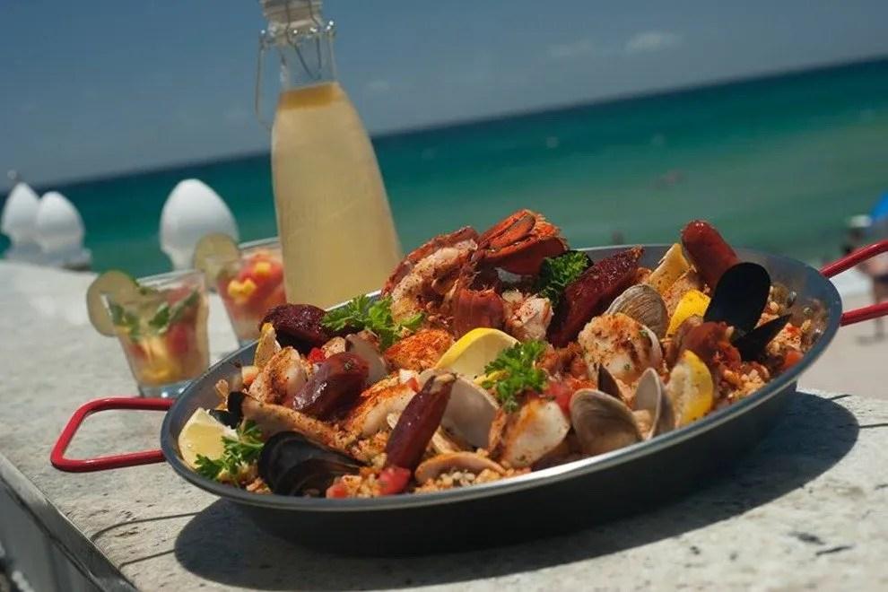 Palm Bar Seafood Beach