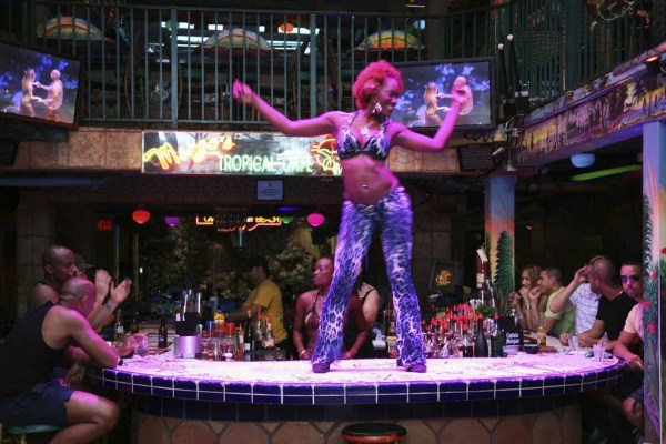 Mango's Tropical Café: Miami Nightlife Review - 10Best ...