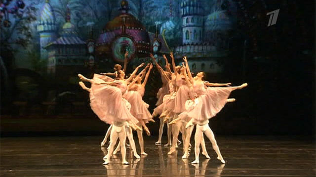 '' Three Centuries of the St. Petersburg Ballet'' flashed during one evening<br />