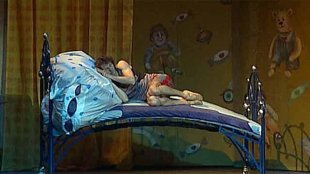 Всеми любимая сказка Чуковского ''Мойдодыр'' получила необычное прочтение на сцене Большого театра