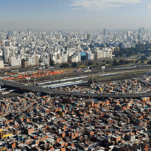 Cortesia de macacovelho.com.br. ImageVilla 31, Buenos Aires - Argentina
