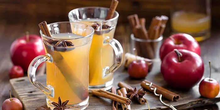 Lower-Calorie Holiday Cocktails