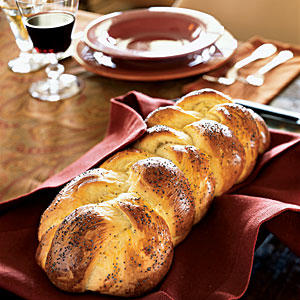 https://i1.wp.com/img1.cookinglight.timeinc.net/sites/default/files/styles/400xvariable/public/image/2005/11/0511p160-challah-m.jpg