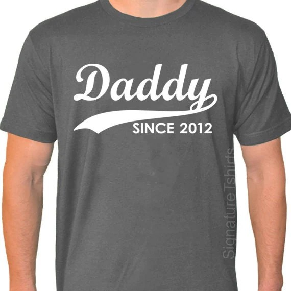 Items similar to DADDY Since 2014, Father's Day Mens T ...