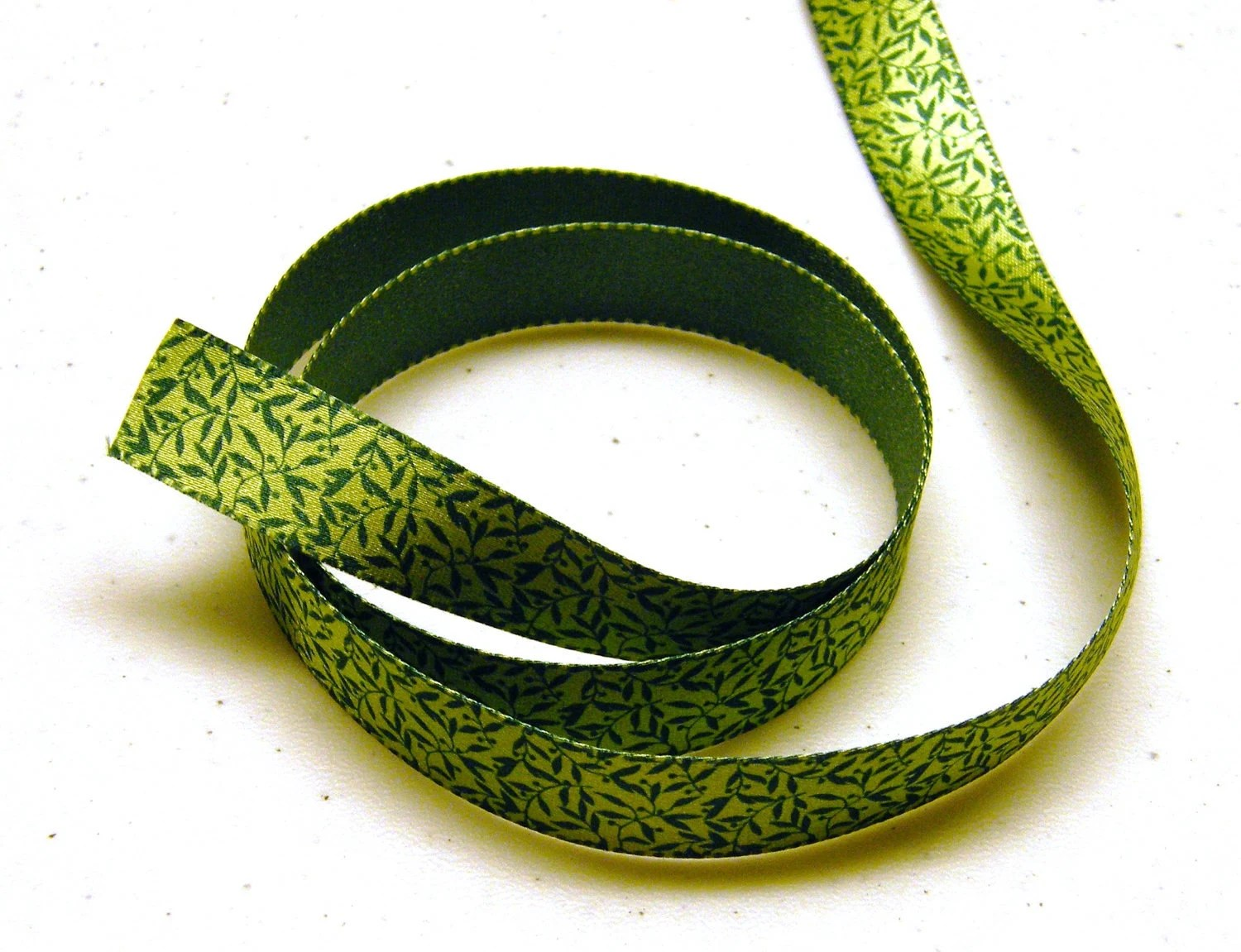 Green Leaves Reversible Satin Ribbon - Martha Stewart 5/8 in x 3 yd - OwlShop