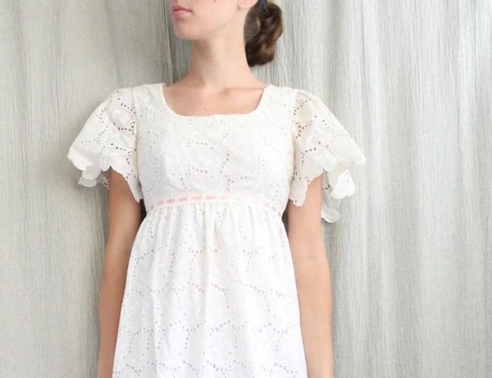 Sale . Eyelet Lace Vintage Wedding Dress