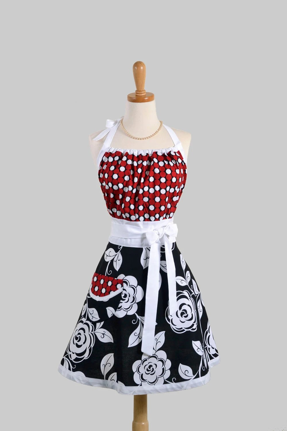 Cute Kitsch Apron Modern Design In Retro Bold Black And