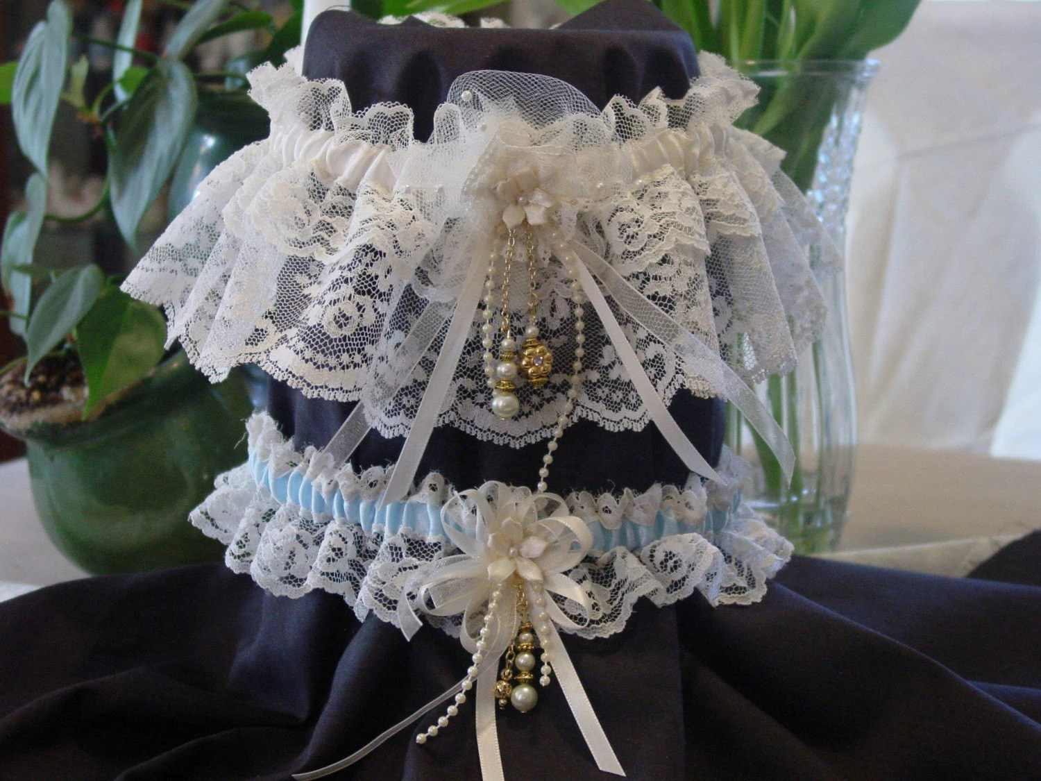Plus Size Wedding Garter Set Off White And Gold