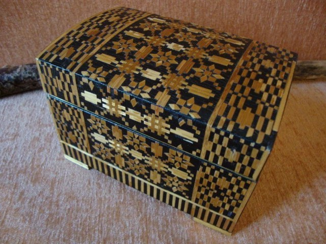 Jewelry Wood Box – Carved – Ornate – Inlay Strips – Vintage